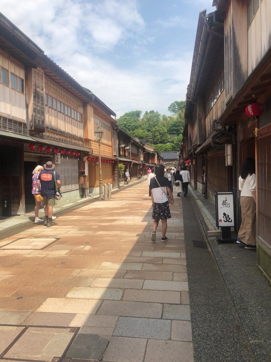 【石川】近江町市場・ひがし茶屋街・兼六園、観光モデルコース