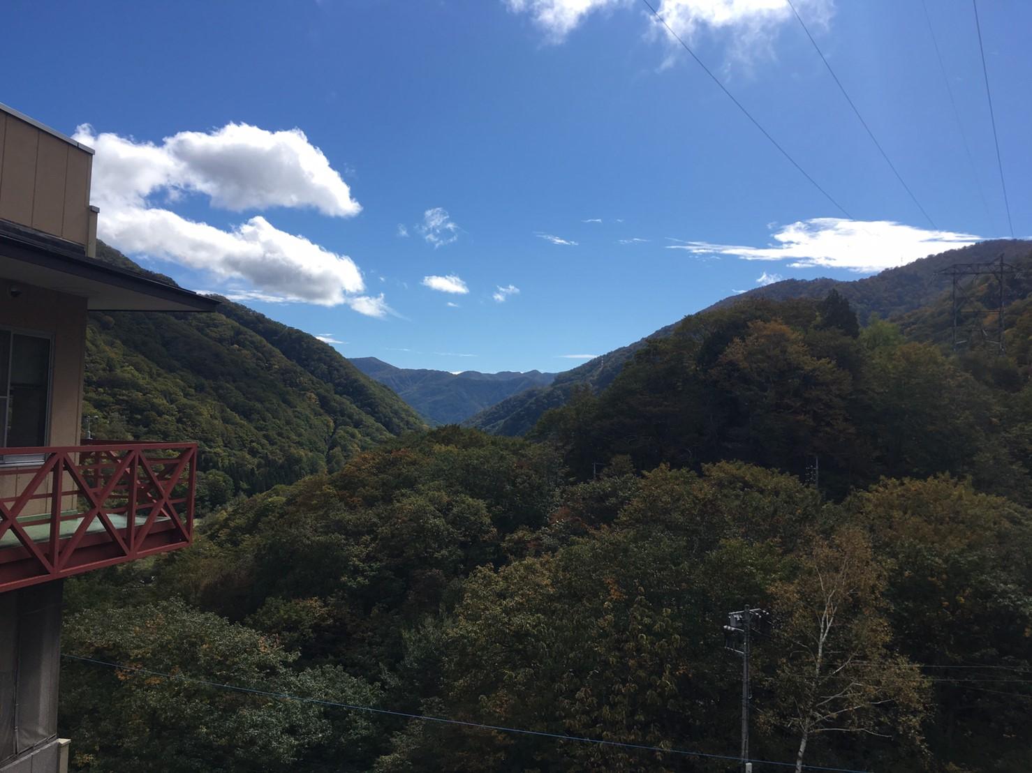 谷川岳ベースプラザのエントランスから撮影